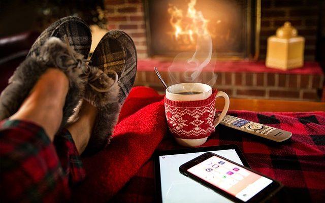 エアコン(暖房)をつけたくなる季節到来。冬の電気代削減に効くお手軽アイテム!