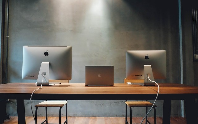 2台/3台配置OK!マルチモニター用 幅広パソコンデスク机。ディスプレイ&モニターアームの最適配置と設定も紹介 2019年