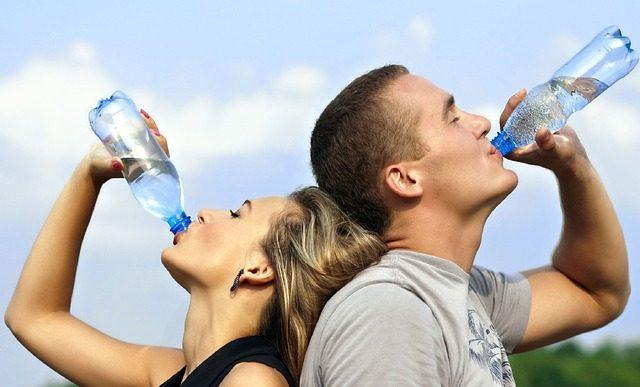 【節約】イオンカードで毎日無料で水「ぴゅあウォーター」7.6Lがもらえる。ボトル容器値段・カードの選び方など注意点総まとめ