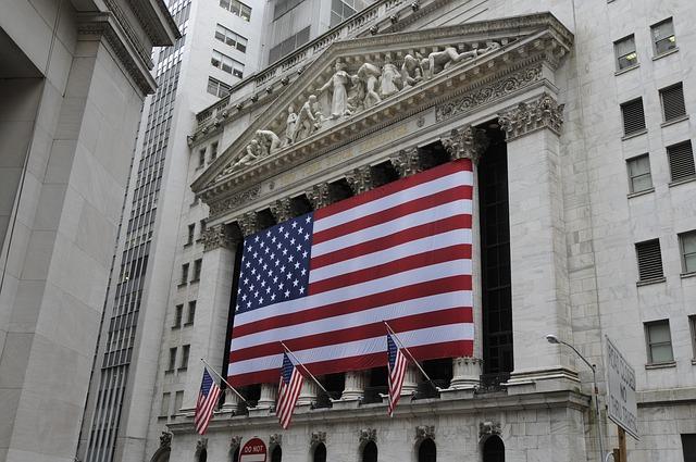 【現状】市場はテーパリング開始を2022年中と予測
