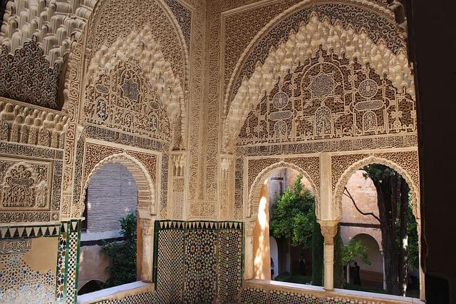 アルハンブラ宮殿 壁の細かい細工に感動!