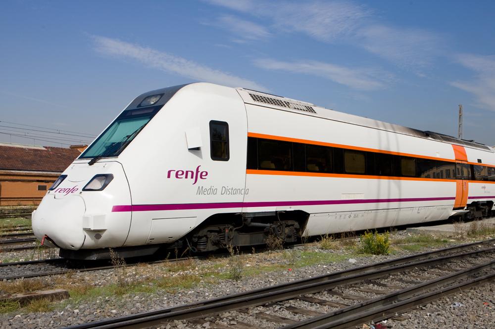 スペイン旅行の長距離移動に国鉄Renfe(レンフェ)