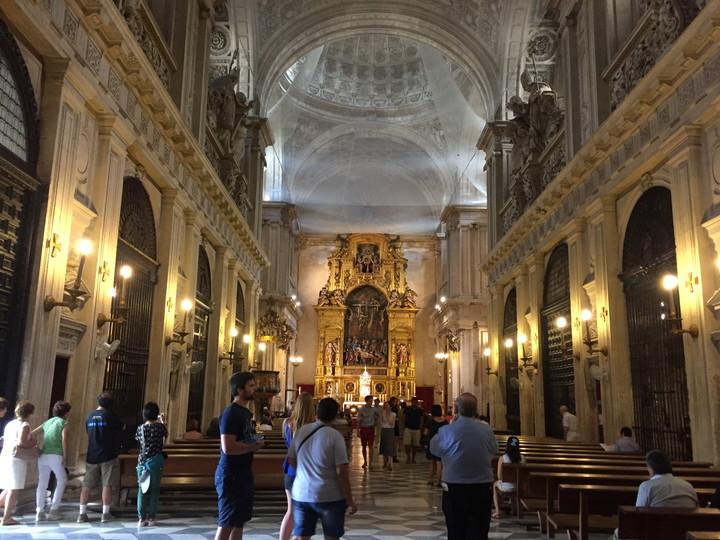 スペイン 世界遺産セルビア大聖堂の祭壇は荘厳