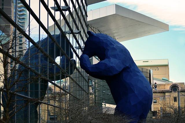 デンバー コンベンションセンターの青い熊