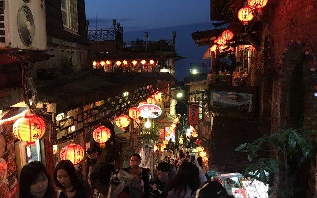 台北旅行3泊4日:2日目後半は十份→九份観光。千と千尋の世界を楽しむ。台北帰りの混雑に注意を 2018年GW