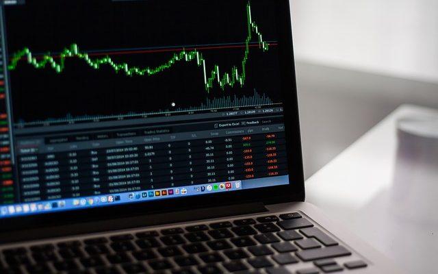 日本は祝日でも世界の株価は動く。CFDなら日経225を始め株式指数・海外個別銘柄の売買可能
