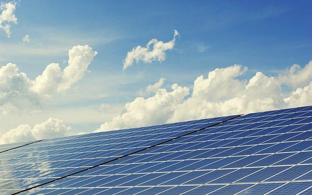 北海道は電力不足で停電の一方、九州は発電過剰で太陽光発電停止令。BTCマイナーはタダで電気分けて!って思うよね