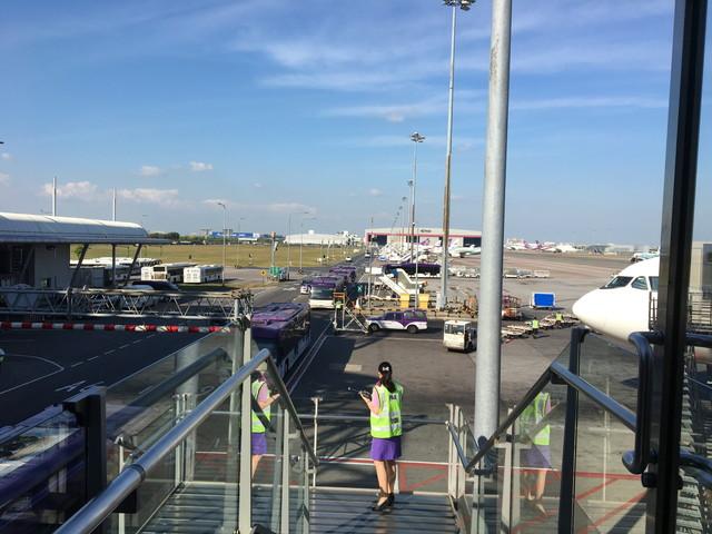 タイ旅行1日目:成田→スワンナプーム空港からバンコク市内へ。何と12/31はエアポートリンクでの移動がタダ!