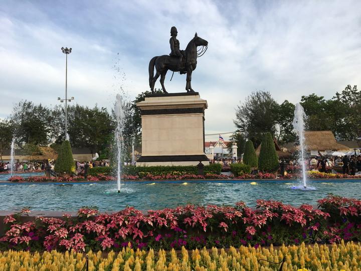 旧国会議事堂前 ラーマ5世騎馬隊像