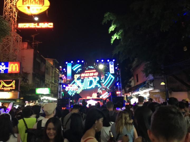 タイ バンコク旅行 カオサン通り カウントダウンイベント
