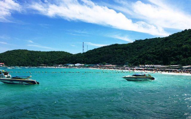 タイ旅行3日目:パタヤビーチへエクスカージョン。船で青い海の広がるラン島でマリンリゾートを楽しむ~長距離バス/フェリーの乗り方