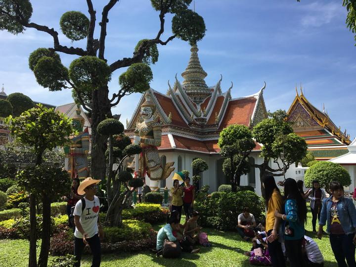 タイ旅行 暁の寺 ワット・アルン 本堂
