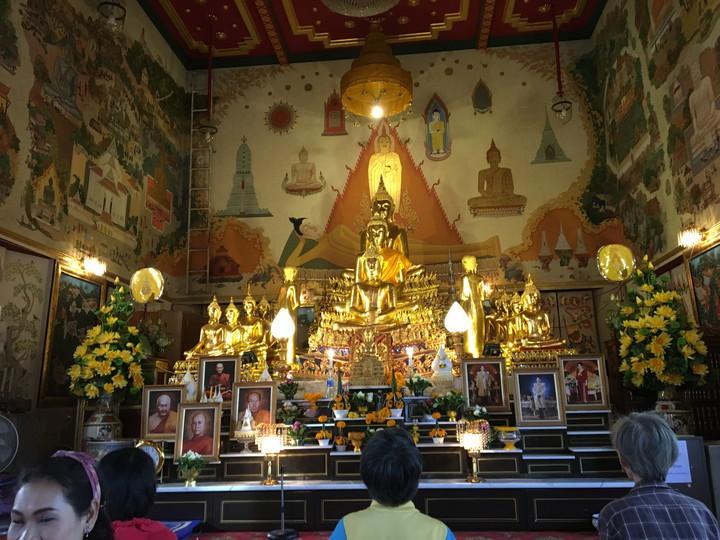 タイ旅行 チャイナタウンにあるワット・トライミット