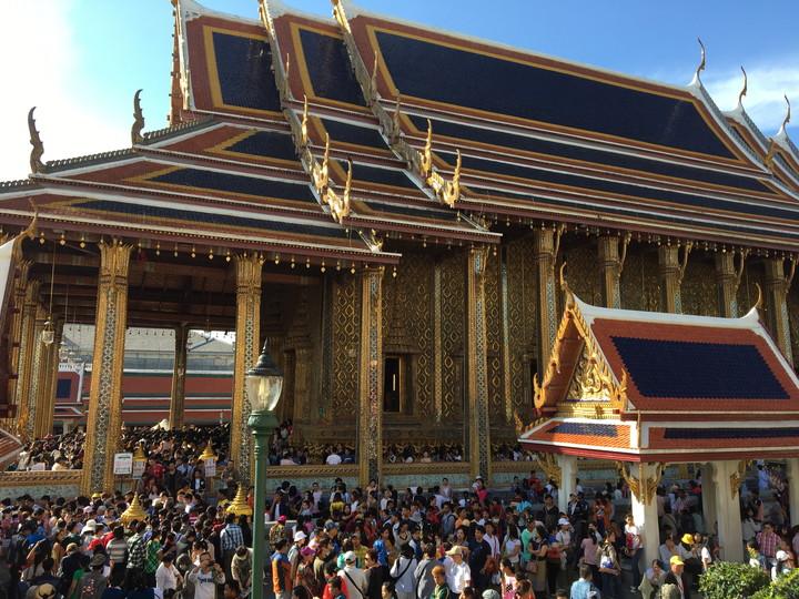 バンコク観光 ワット・プラケオ(エメラルド寺院)本堂