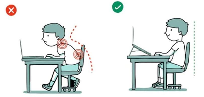 ノートパソコンスタンドで画面位置を高く!猫背防止