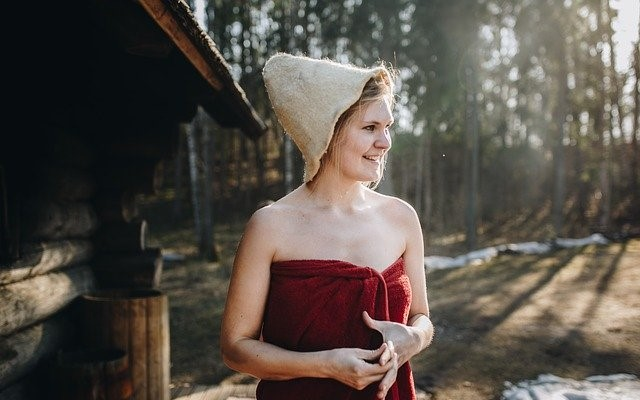 サウナハットをかぶる効果は?使い方は?おすすめ帽子はどこで購入できる?自作する場合の作り方は?