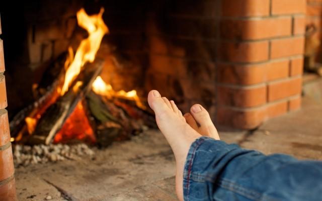 テレワーク・在宅ワークの寒さ対策:おすすめ暖房器具(電気代・導入コストも安く温かい部屋暖房グッズ)