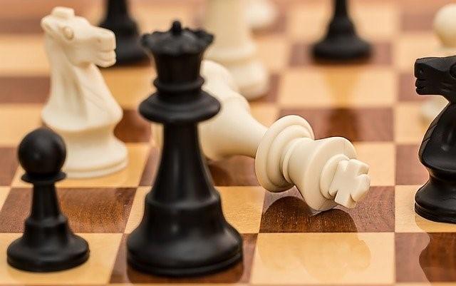 Binanceの課題:成長の谷を乗り切れるか
